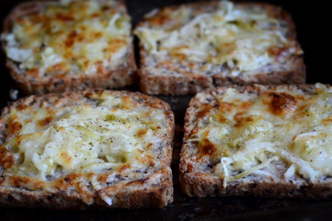 01302015_apple_cheddar_toast